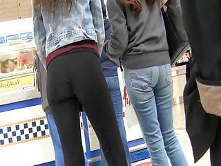 Booty shoping at the mall two