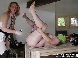 Maitresse claudiacuir dominatrice godeuse movie scene sado maso sm