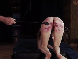 Worthless villein brutally whipped