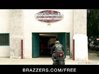Brazzers - oriental mechanic skin diamond rides large weenie as pay