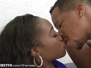Whiteghetto pom-pom girl sexuellement excité chanell heart