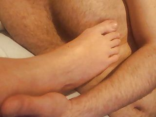 Femdom gf gives nipp teasing with feets toes