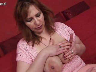 Breasty mom-next-door with hungry wet crack