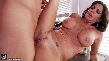 Vanessa videl and tara holiday astonishing 3some