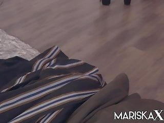 Mariskaxブレストプレイガールホットスージーは彼女の砂糖のお父さんを支配します