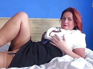 Sexy aged mommy and milf with hungry love tunnel