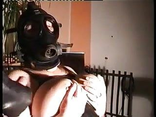 Playing with the gasmask.......and the ramrod