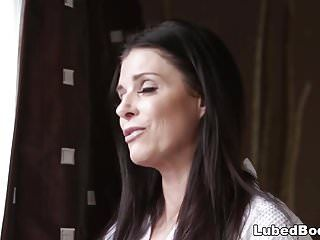 India summer dont wish to waste her time