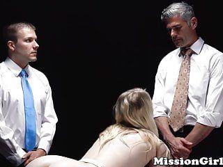 Playgirl mormone craintive double défoncée par 2 pervers