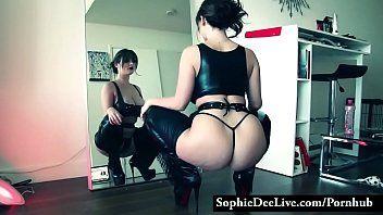 Sophie dee fleshly striptease